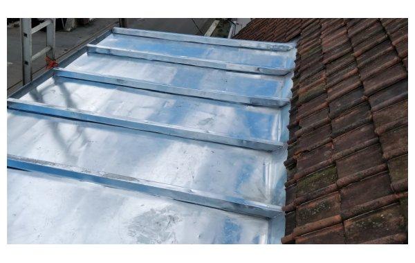 couverture zinc à tasseau